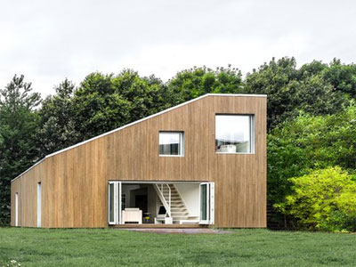 Old shipping containers lend themselves to being recycled and incorporated into new houses Recycled-shipping-container-house1