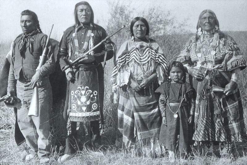 Bandoleros, bandidos, sheriff, indios, etc. - Página 5 Indios-creek