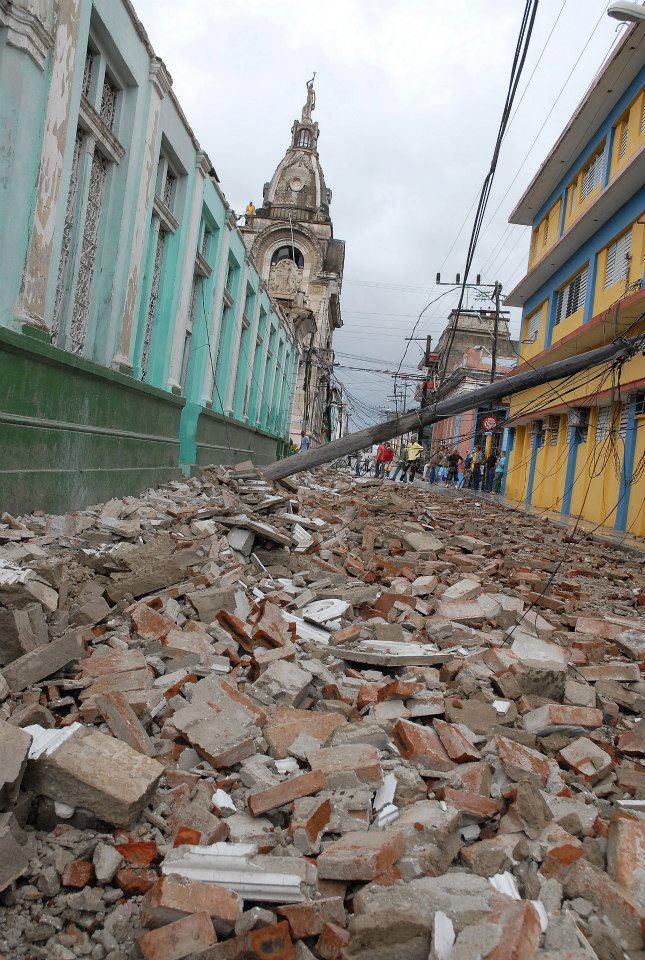 """[Malas noticias] El huracán """"Sandy"""" dejó 11 muertos en su paso por Cuba Huracan-sandy-guantanamo-2510210-7"""