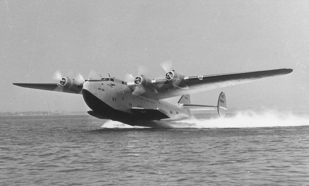 """Boeing 314 """"Dixie Clipper"""" 1939-1950 (/1/144 Minicraft) Pan%20American%20Boeing%20314"""