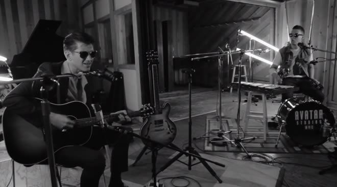 Escucha una versión acústica de 'Do I Wanna Know?' de Arctic Monkeys Arctic-monkeys-10-02-14