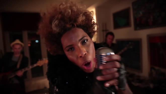 'Bang Bang' es el nuevo vídeo de Macy Gray Macy-gray-04-08-14