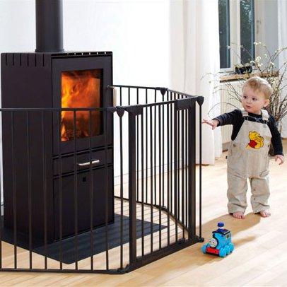 Création d'un pare-feu pour une grande cheminée : cornières acier ou aluminium ? 223_large_1388161792_bebe_cheminee
