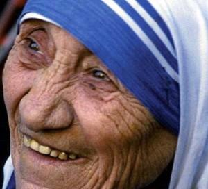 Mère Teresa, la sainte des « ténèbres » 201111-mereteresa-300x272