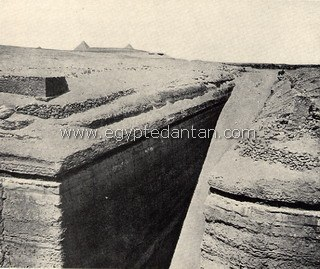 The Great Pit of Zawyet El Aryan  Sakka4