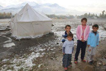 Turkey: With winter approaching, 500 children of Van's earthquake survivors under threat Turkey4800