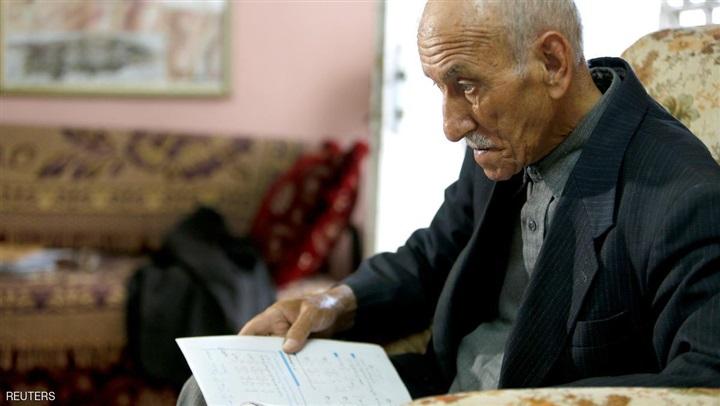 أكبر طالب فى لجان الثانوية العامة 2017 عبد القادر أبو عجمية البالغ من العمر 81 عامًا 817