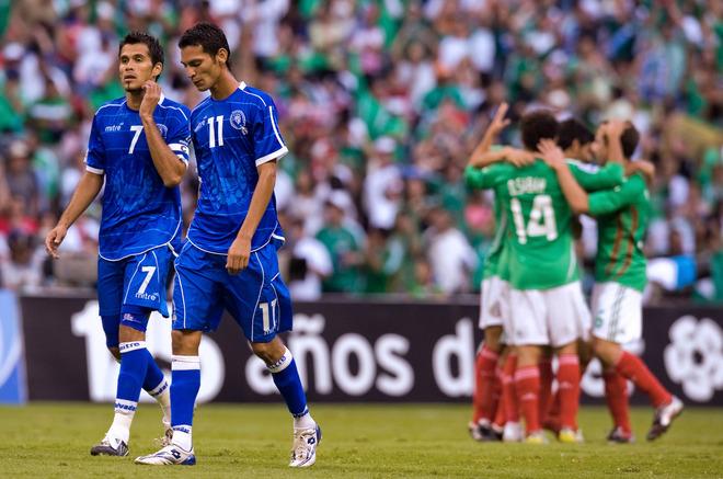 Rumbo a la Copa Mundo 2010: El Salvador 1 Mexico 4. CM10-H-ES1M4-Sanchez-Coreas