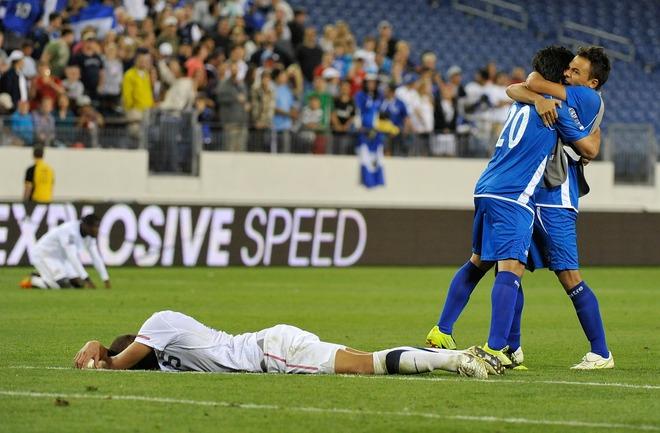 Eliminatorias Olimpicos Londres 2012: El Salvador 3 Los Estados Unidos 3. Olimpicos12-ES3EU3-Accion4