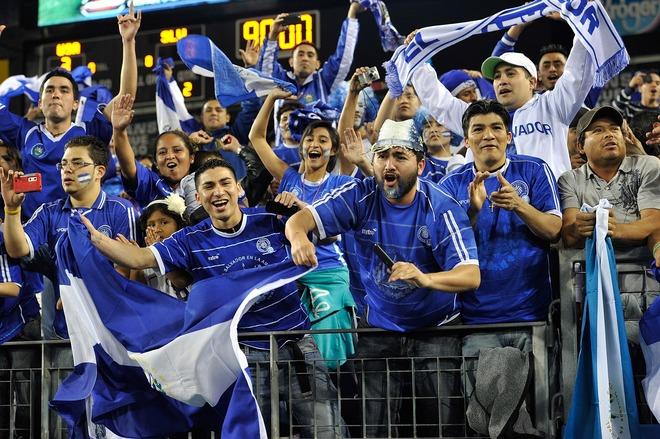 Eliminatorias Olimpicos Londres 2012: El Salvador 3 Los Estados Unidos 3. Olimpicos12-ES3EU3-Aficion2