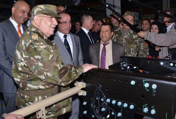 الصناعة العسكرية الجزائرية  علامة  ً مرسيدس بنز  ً - صفحة 4 DSC_0049