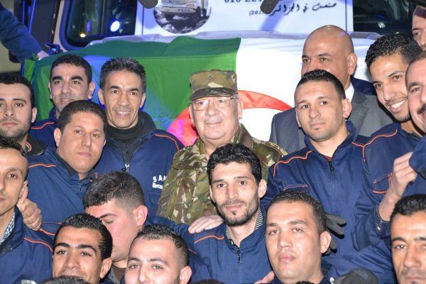 الصناعة العسكرية الجزائرية  علامة  ً مرسيدس بنز  ً - صفحة 4 DSC_0151