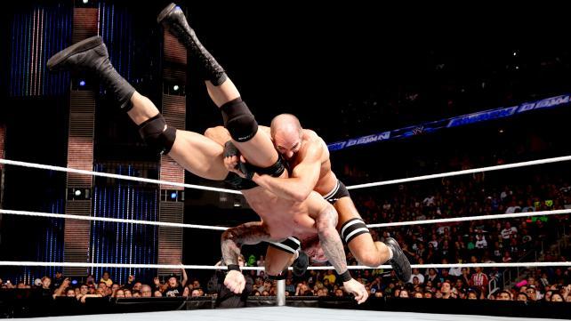 SURVIOR SERIES 2015 Cesaro-Neutralizer-Randy-Orton.-Contin%C3%BAa.