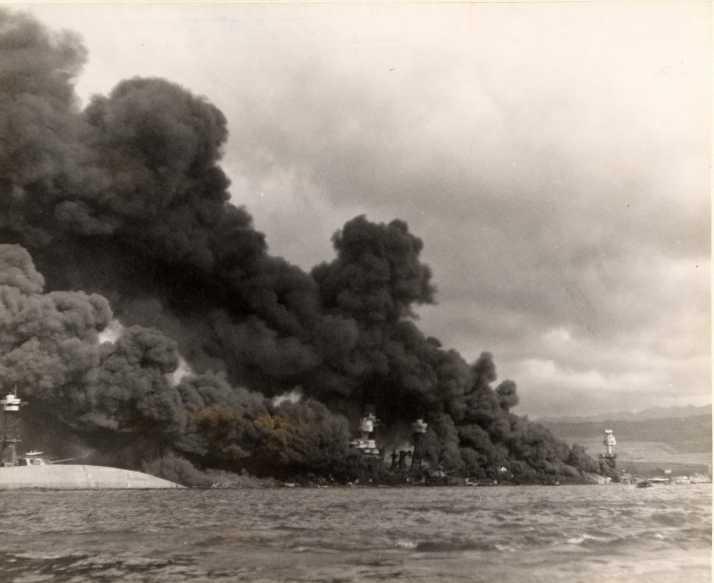 Segunda Guerra Mundial: Ataque a Pearl Harbor Pearl_harbor_002