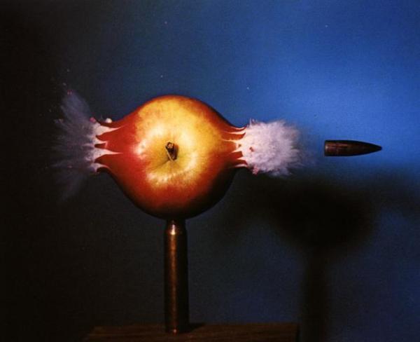 Réflexion du fond du trou de Bale Balle-pomme