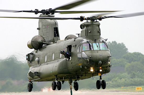 Les « Black Helicopters» Ch47_chinook