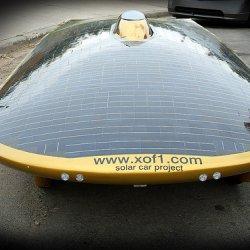La voiture solaire qui se prend pour un OVNI Breve5843a