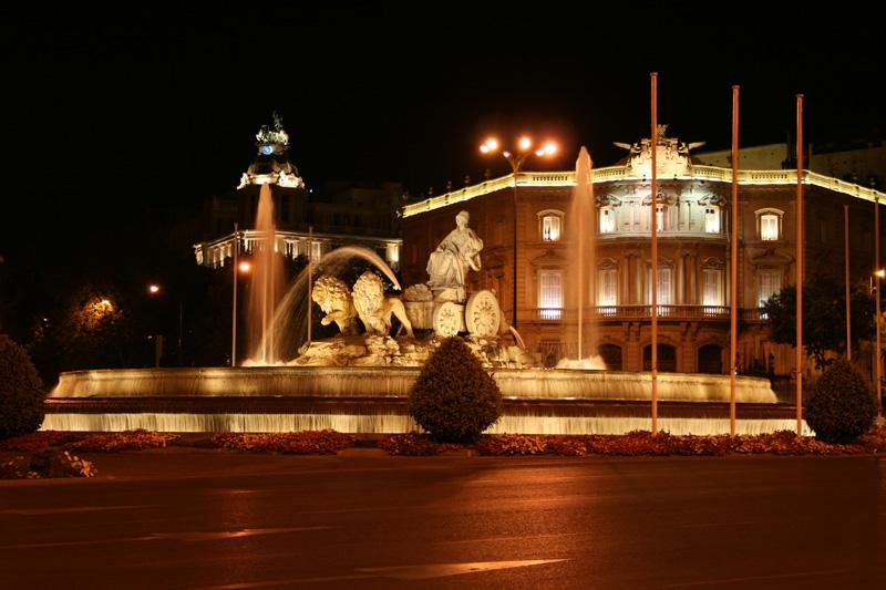 عــاصمة اسبـانيا (( مدريد)) Cibeles_g