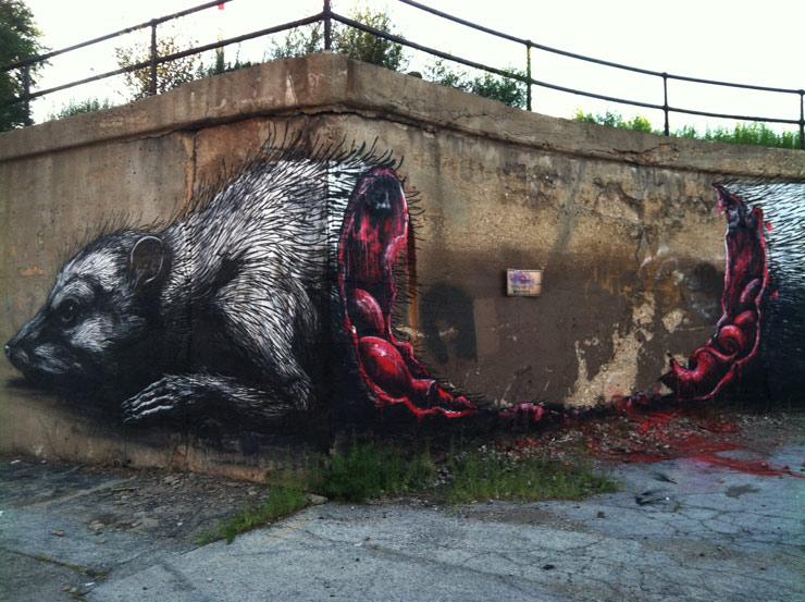 Titula la novela a partir de la imagen - Página 2 Roa-street-art-bull-grafiti