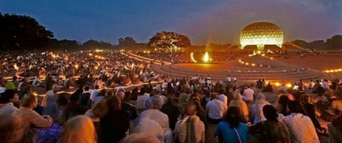 In This Amazing City People Live Without Politics, No Religion And No Money Auroville4