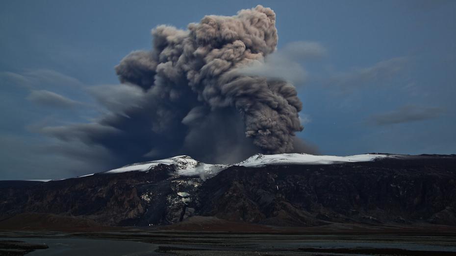 Vulkani - Page 2 Eyjafjallajokull-11