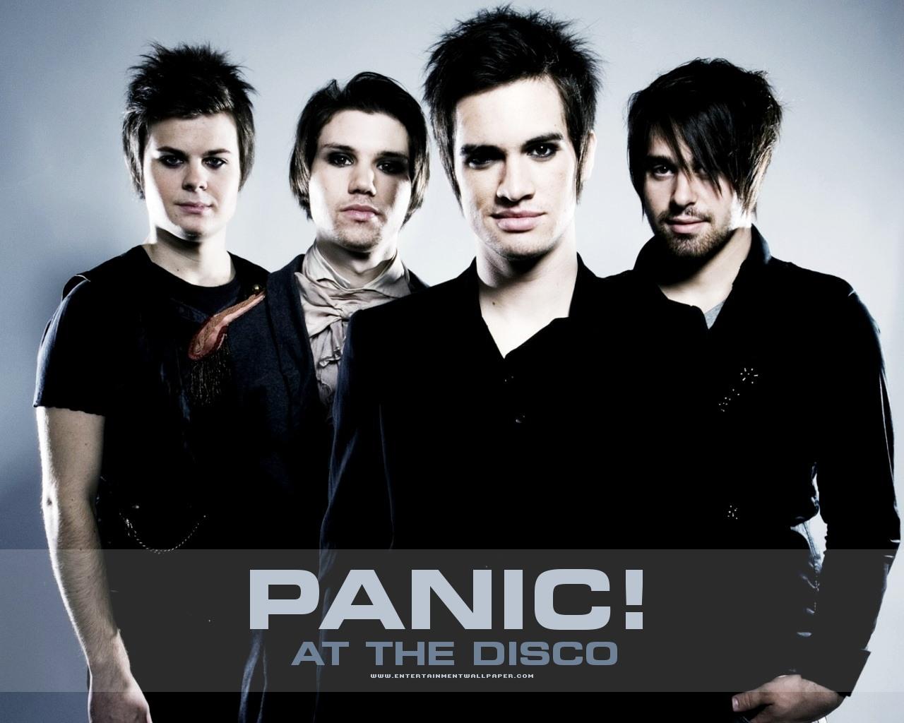 Panic At The Disco Panic_at_the_disco01