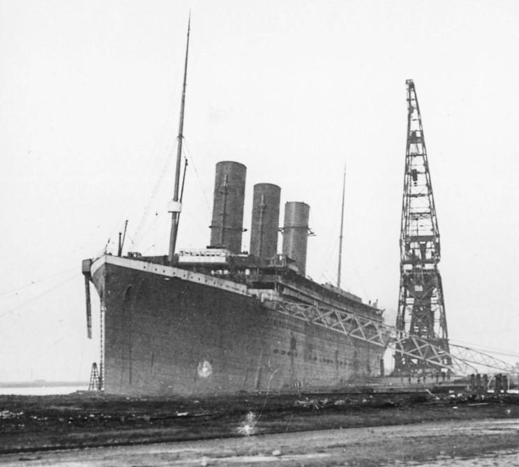 صور لم ولن تشاهدها الا هنا صور لتايتانيك السفينه العجيبه التي غرقت في اول رحلاتها Epul_a_hajo2