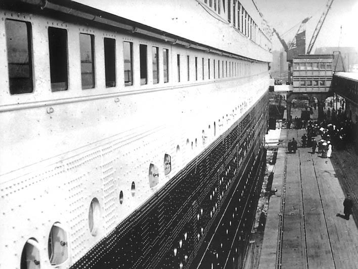 صور لم ولن تشاهدها الا هنا صور لتايتانيك السفينه العجيبه التي غرقت في اول رحلاتها Titanic24