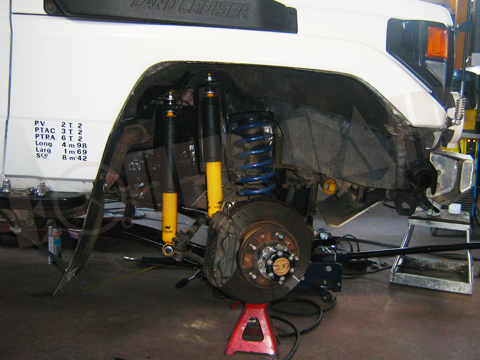 Honcho by Marlou33  - Page 2 Toyota_HZJ_78_-_suspension-ER