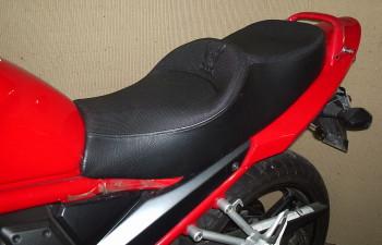 Custom x Big Trail x Street Carenada x Touring - Página 4 Suzuki%20Bandit%20650%20Mod.%20sela