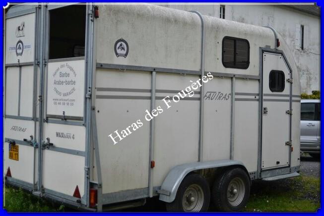 Vends Van 3 places + logement marque FAUTRAS Maxivan4_7