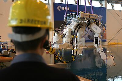 un nouveau genre de robot que développe esa IMG_9101_L