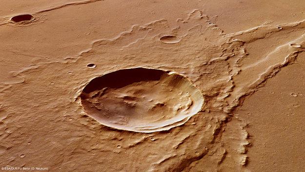 Pianeti e loro satelliti - Pagina 2 Melas_Dorsa_impact_crater_perspective_view_large