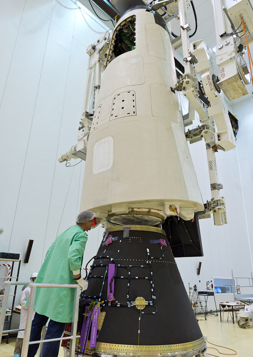 Vega VV04 (IXV) - 11.2.2015 - Page 4 Final_checks_on_IXV_node_full_image_2