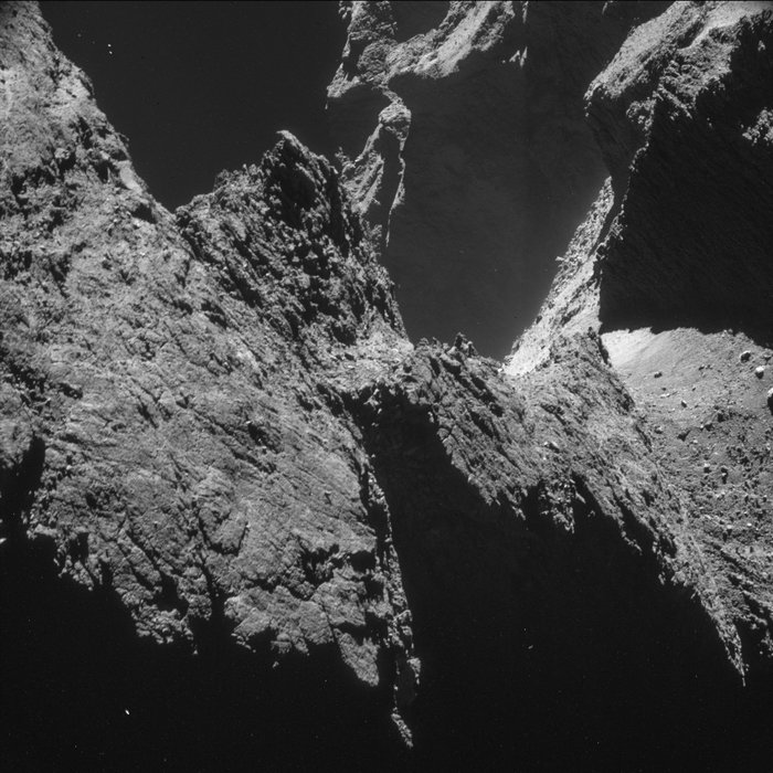 Philae: atterrissage et mission (partie 2) NAVCAM_top_10_at_10_km_4_node_full_image_2