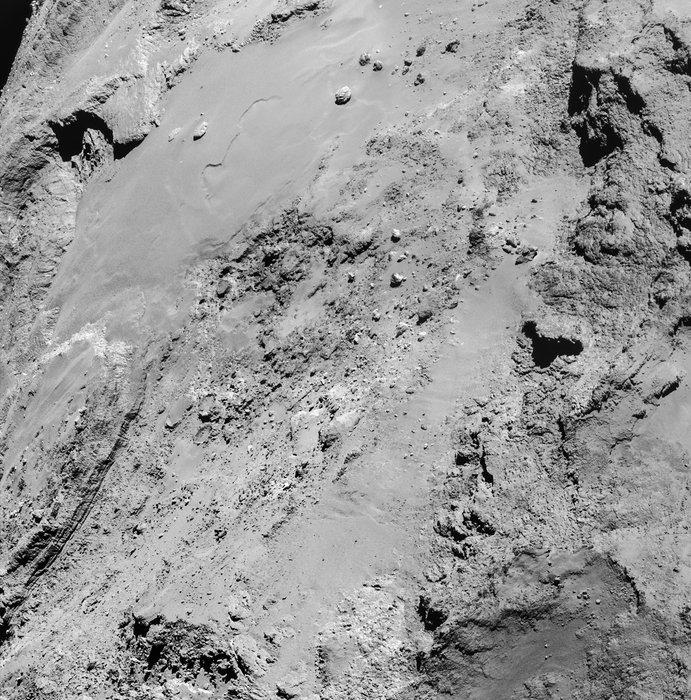 Rosetta : Mission autour de la comète 67P/Churyumov-Gerasimenko  - Page 17 14_February_close_flyby_14_15_GMT_node_full_image_2