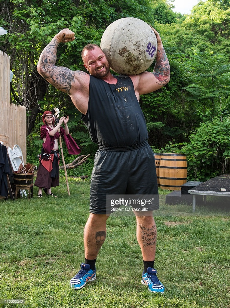 ¿Cuánto mide Hafthor Julius Bjornsson?  (The Mountain) - Altura y peso - Real height and weight Hafbor2
