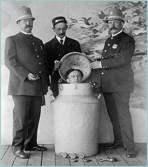 Descendientes del mago Houdini quieren exhumar el cadáver para saber si fue asesinado 02
