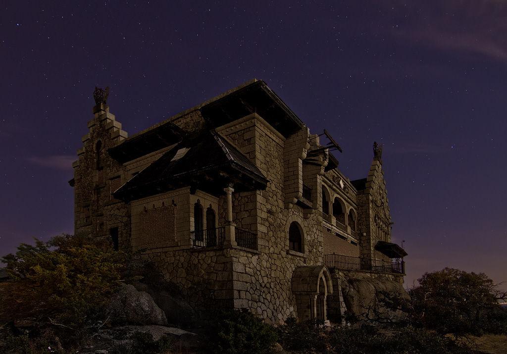 Los lugares abandonados más espectaculares de España El-Canto-del-Pico-4