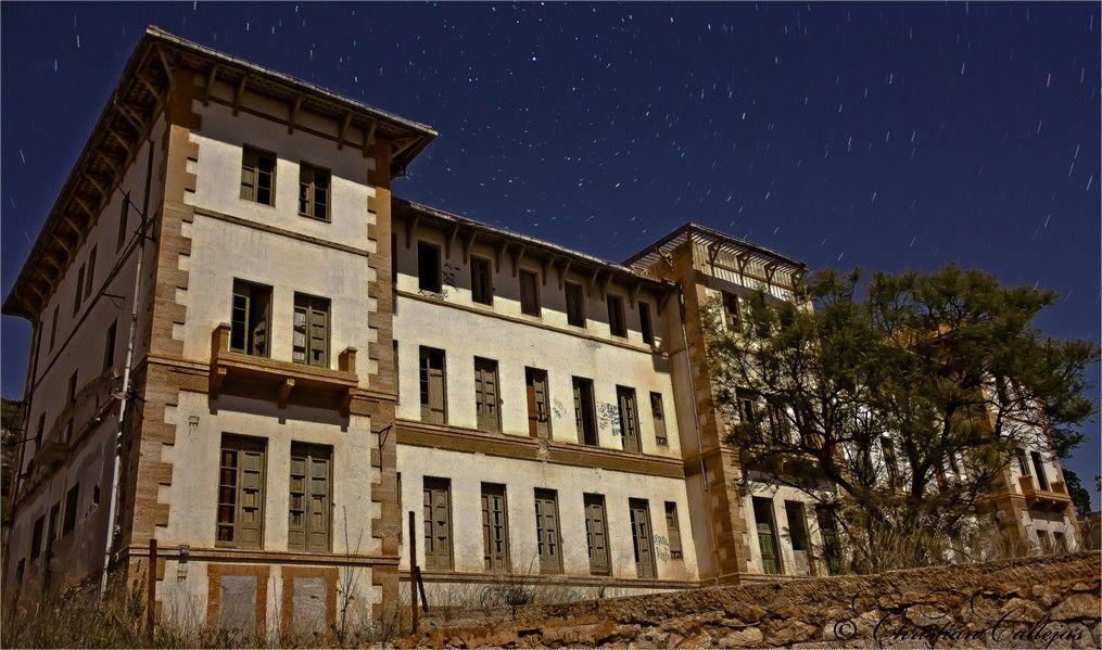 Los lugares abandonados más espectaculares de España El-Preventorio-de-Aguas-de-Busot-3