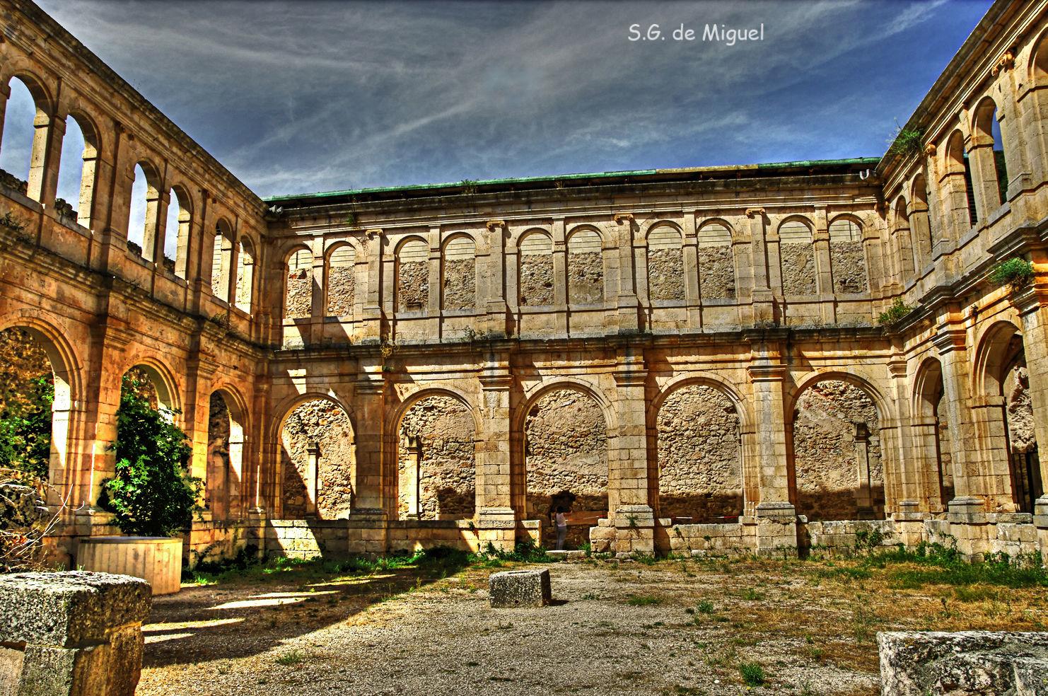 Los lugares abandonados más espectaculares de España Monasterio-de-San-Pedro-de-Arlanza-1
