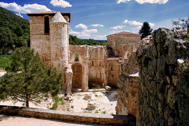 Los lugares abandonados más espectaculares de España San-Pedro-de-Arlanza