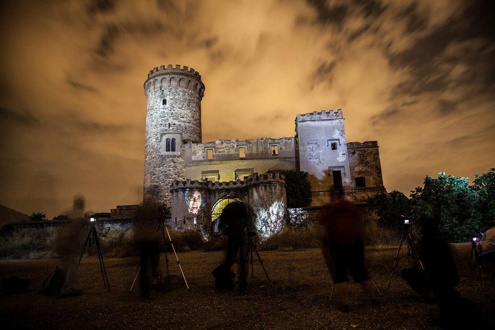 Los lugares abandonados más espectaculares de España Castillo-Colonia-Guell-2