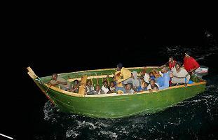 """Dicen que en Cuba... ¿La población cubana """"huye"""" del país?  Patera"""