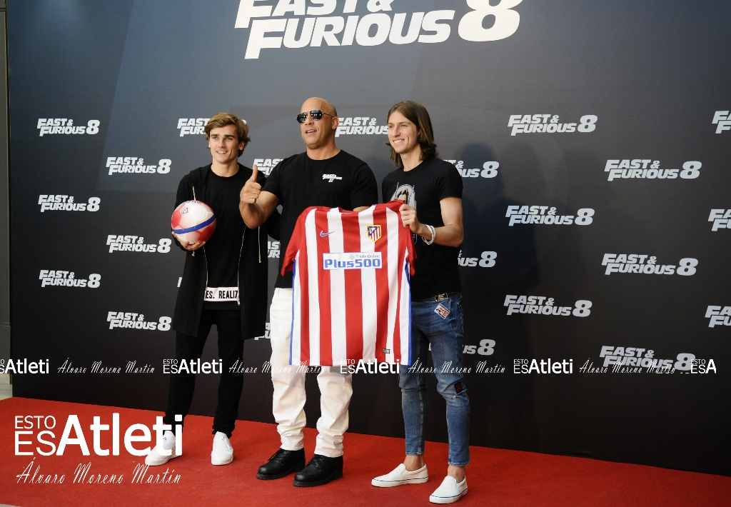 ¿Cuánto mide Vin Diesel? - Altura - Real height Filipe_luis_vin_diesel_griezmann_evento-fast-and-furious-8-villamagna-06042017