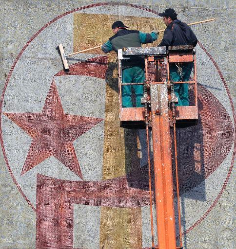 ¿el comunismo esta muerto? - Página 7 20090415PHT53752_original