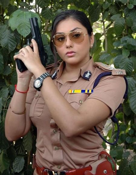 நமிதாவும் மச்சானும் !!!!!!!! Namitha-as-police
