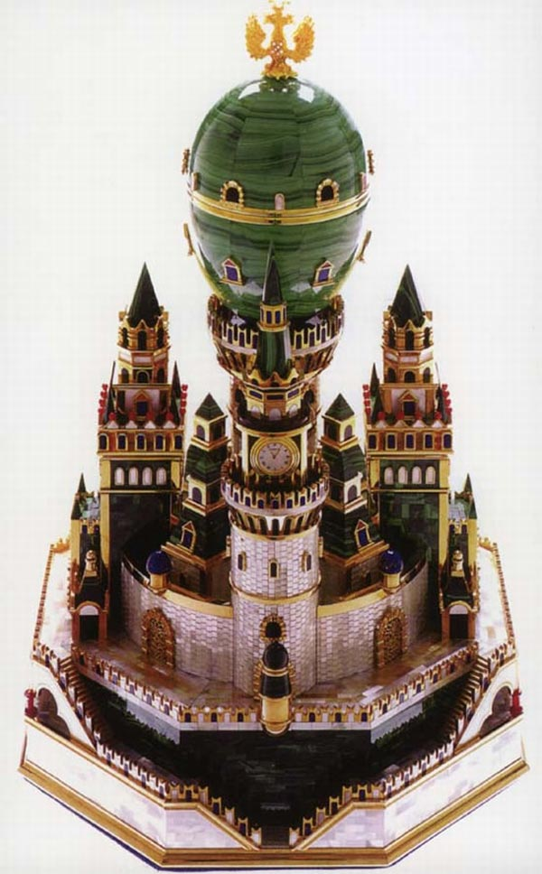 Faberžeova jaja - Page 7 Faberge-malachite-egg-Uspenski-Cathedral