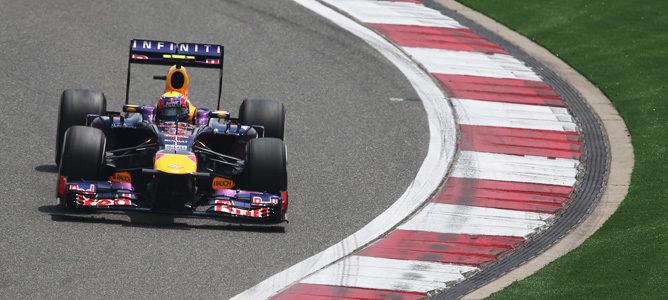 Lewis Hamilton se hace con la 'pole position' en el Gran Premio de China 2013 002_small