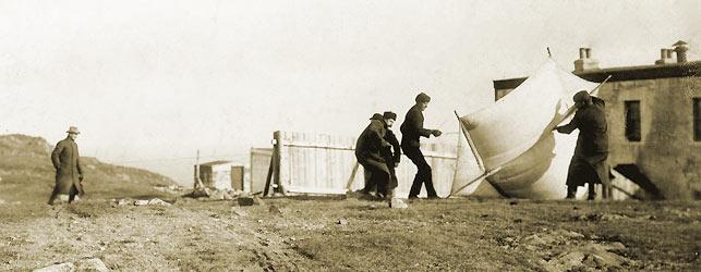 Photo Tunisie 1936 Marconi_et_les_cerfs_volants